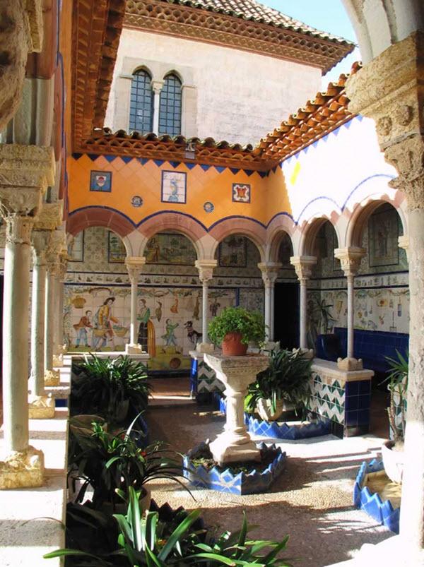 Intérieur du musée Palau Maricel