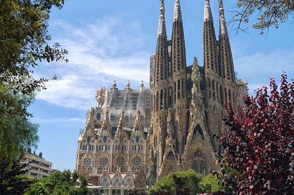 gaudi barcelone sagrada familia